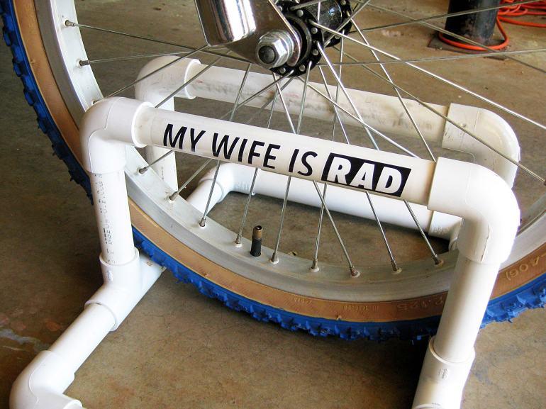 WIFE_bikestand_1_web